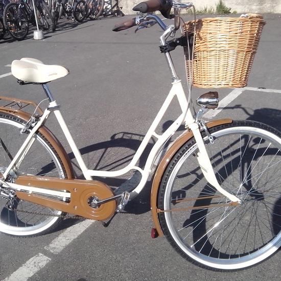 14ede380f2be Javi kerékpárbolt – Építés