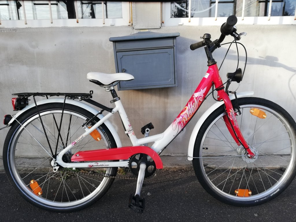 Újszerű PANTHER 24″ agyváltós agydinamós aluvázas kerékpár!