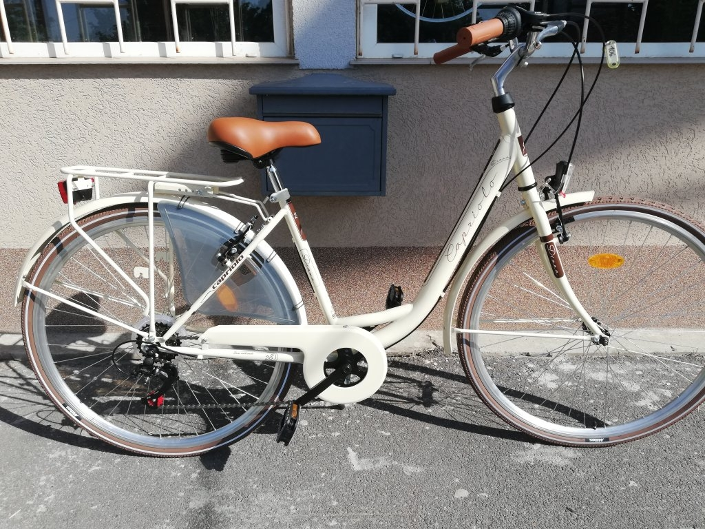 Új CAPRIOLO DIENA 28″ Női krém kerékpár!