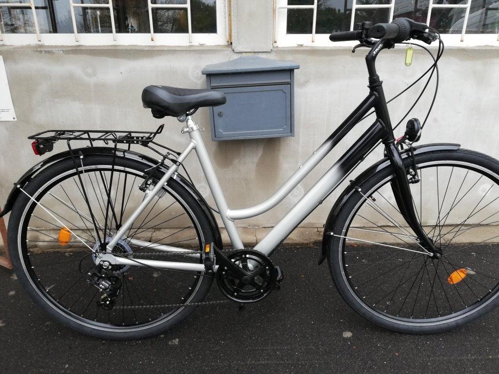 Új FEKETE EZÜST 28″ Női aluvázas kerékpár!