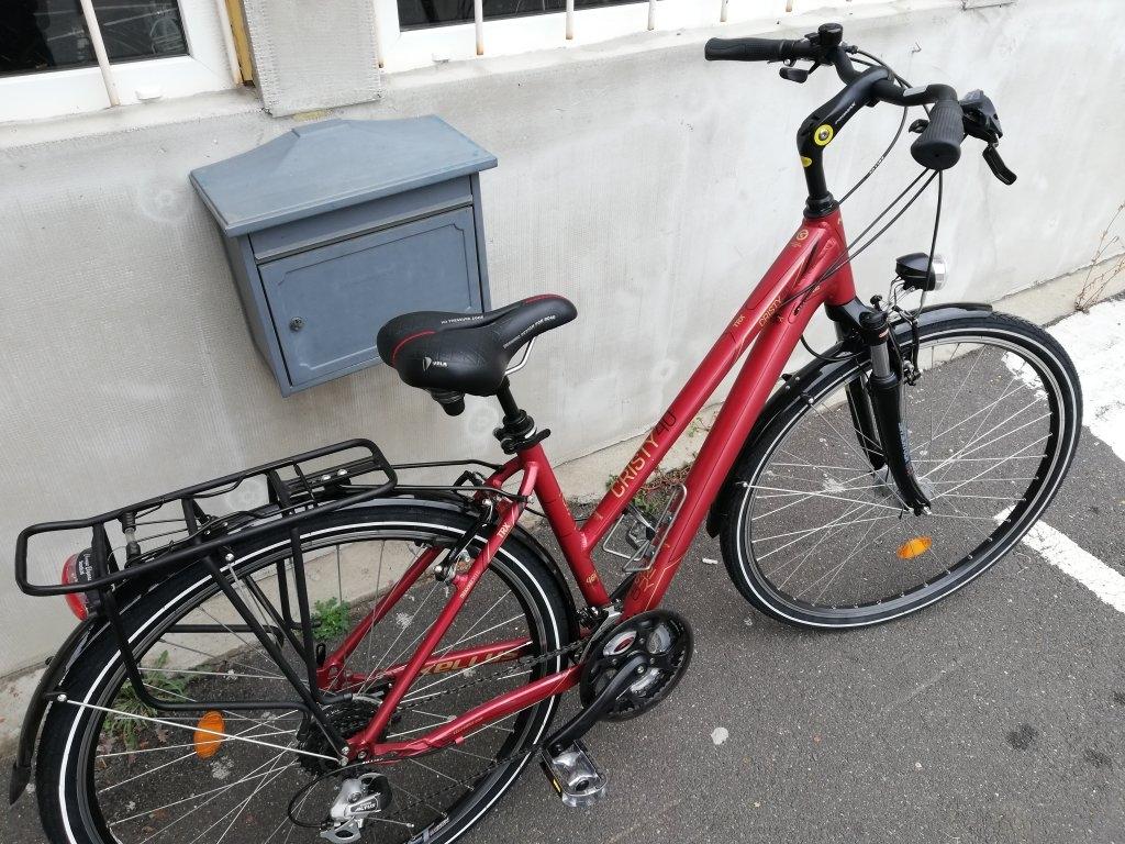 Új állapotú KELLYS CRISTY40 28″ Női aluvázas kerékpár!