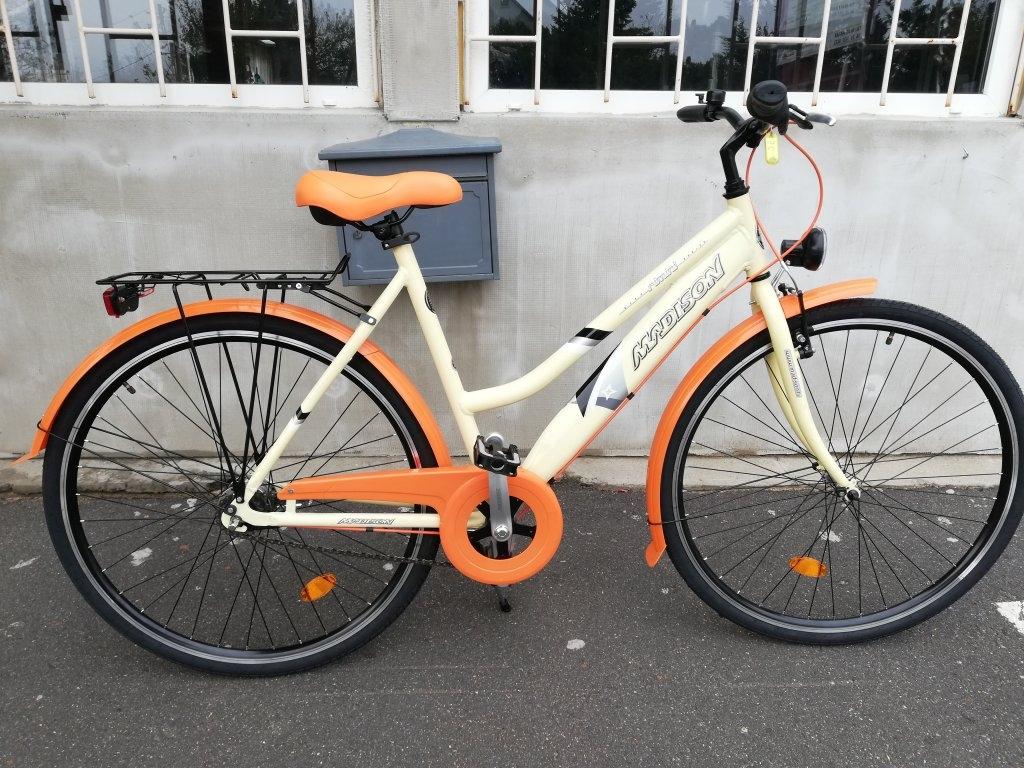 Új MADISON Női aluvázas agyváltós kerékpár!