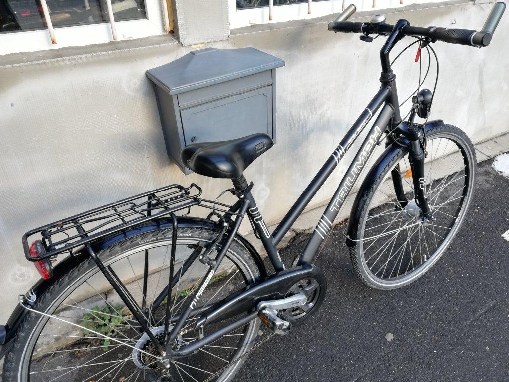 Újszerű TRIUMPH 28″ Női agydinamós aluvázas kerékpár!